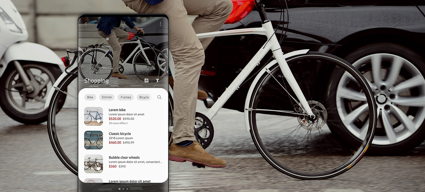 Bixby Vision recognises a bike in the street and displays a list of related shopping options on the smartphone screen.