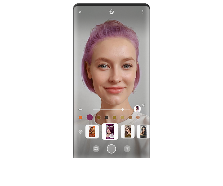 Showing a woman using purple hair dyeing effects and various hair dyeing products thumbnail on the image with Bixby Vision AR function.