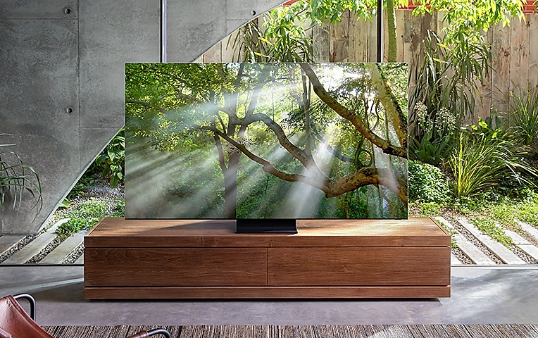 Side view of QLED TV