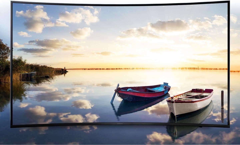 Helle und lebendige Landschaft auf einem Samsung UHD-TV-Bildschirm.