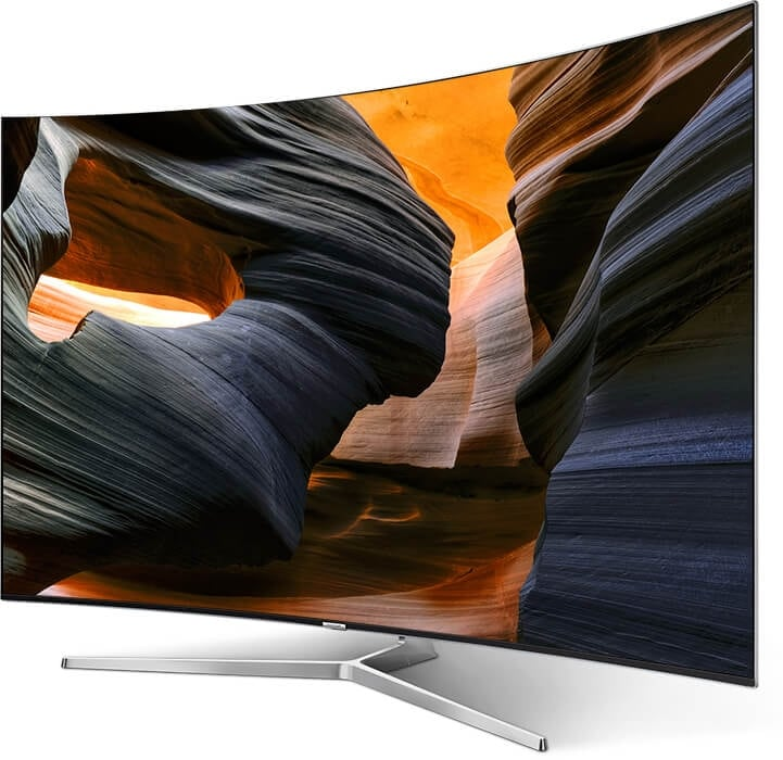 A Right perspective angle of  Samsung TV with light detailed canyon onscreen image.