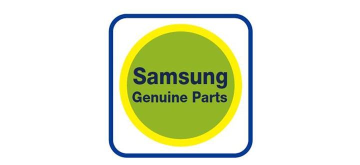 Selo redondo verde e amarelo com a escrita 'Samsung Genuine Parts'.