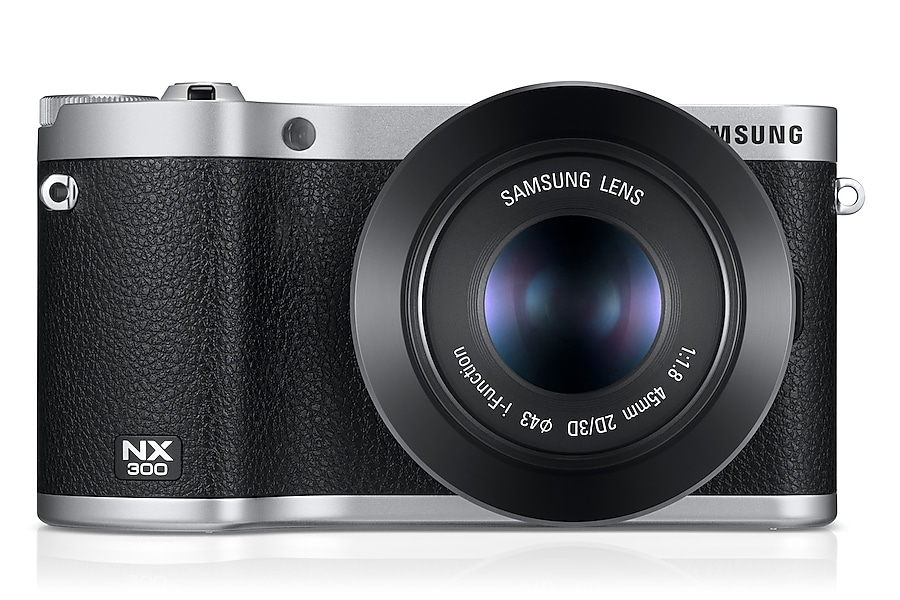 NX300 Front With 45 mm Noir
