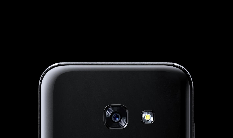 Nahaufnahme der Kamera des Galaxy A3 (2017).
