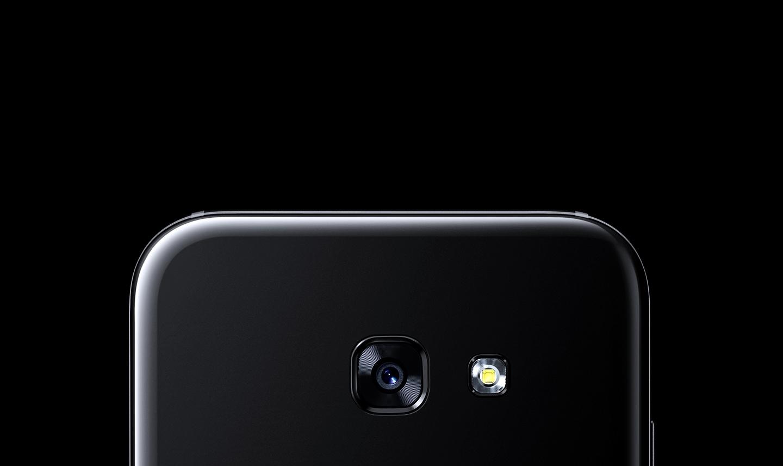 Nahaufnahme der Hauptkamera des Galaxy A5 (2017).