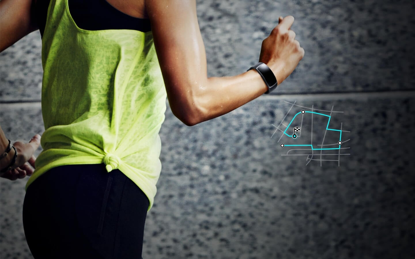 Woman's running route is tracked by the GPS on the Gear Fit2 she's wearing