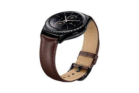 gear s2 classic matched with genuine leather strap