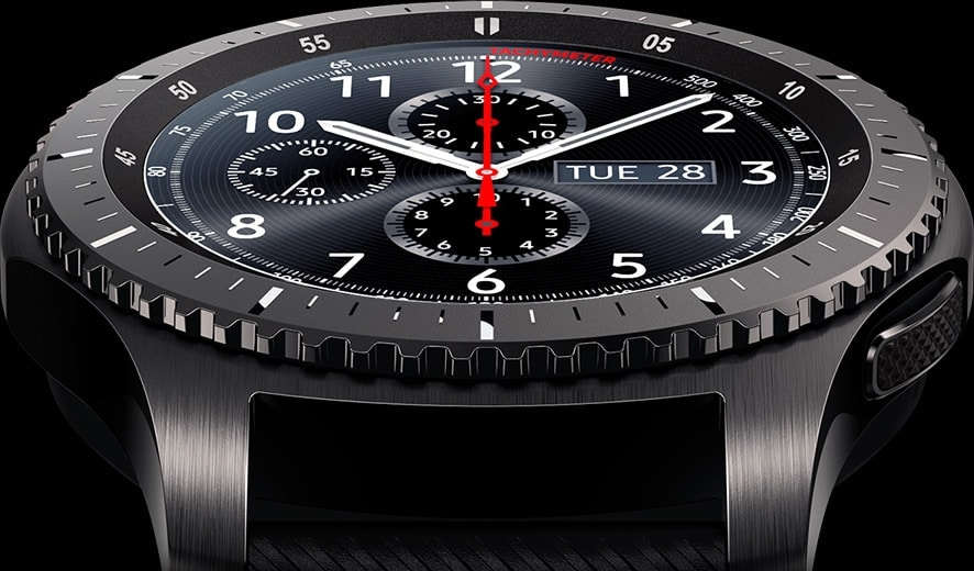 Gear S3 Frontier watch face up close