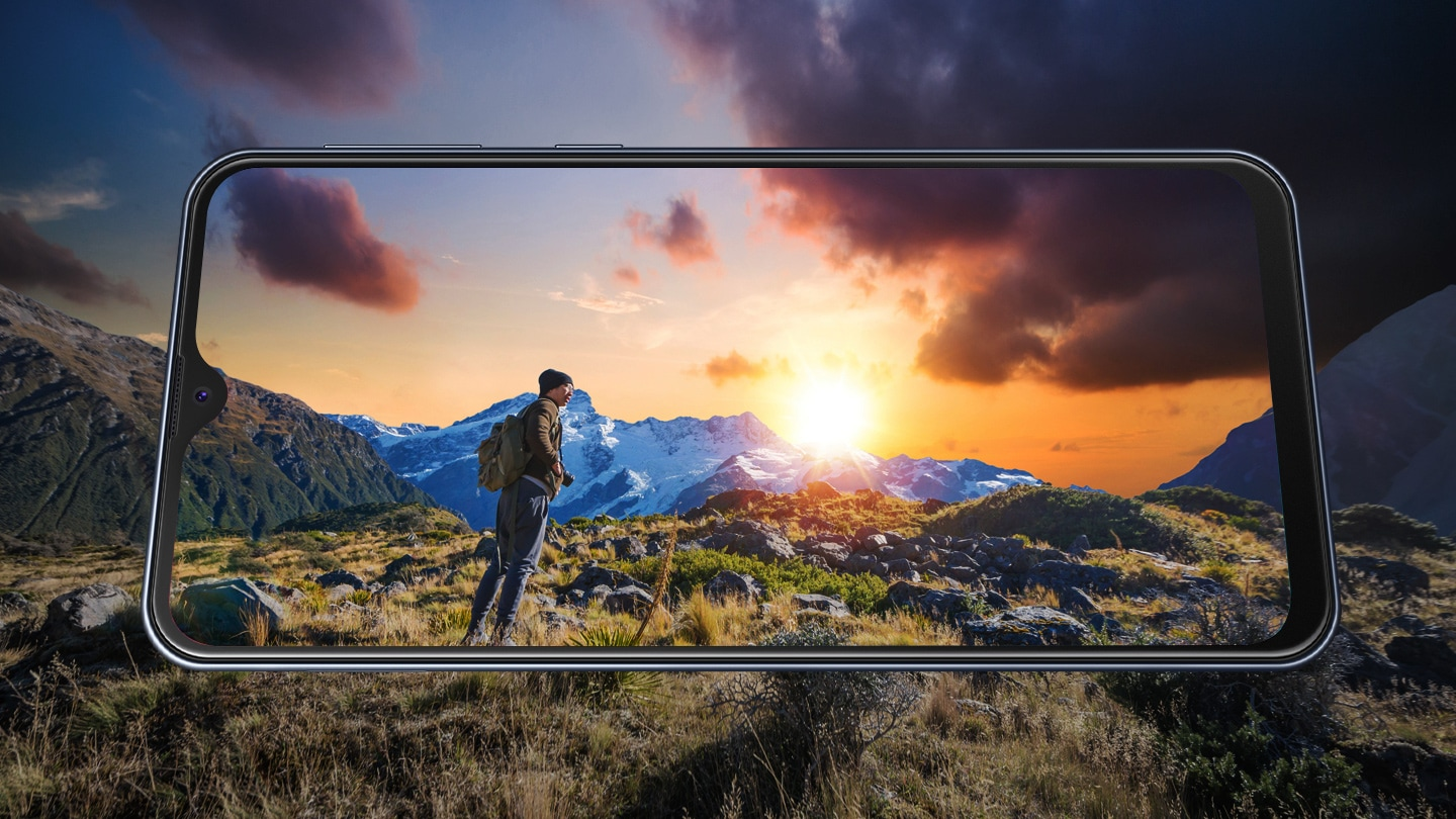 Be immersed in the 6.3-inch Infinity-V Display