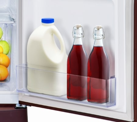 Refrigerator with Big bottle guard