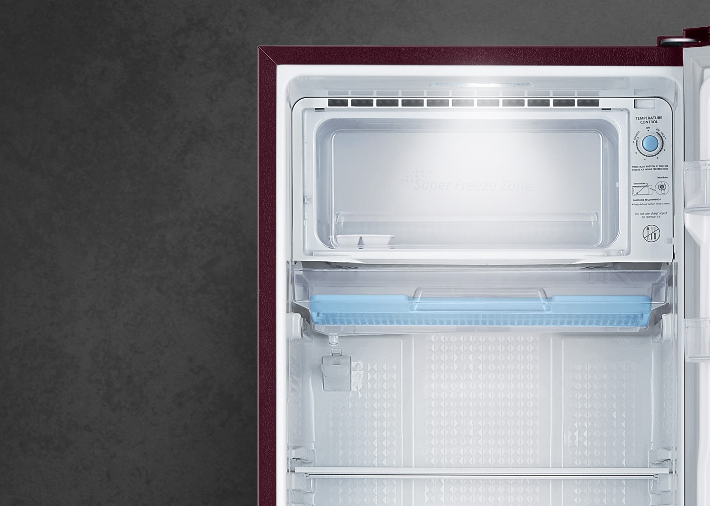 Refrigerator with LED lighting
