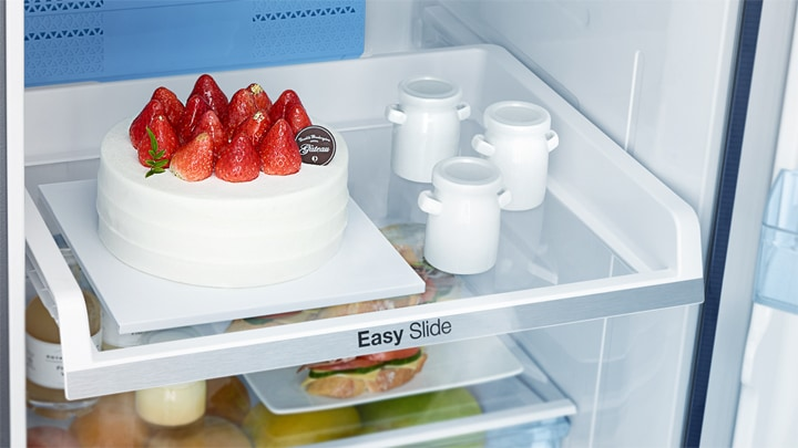 Easy to find and reachEasy Slide ShelfGetting food out of a refrigerator often means navigating around items. The Easy Slide Shelf lets you efficiently store, organize and access your groceries – easily reaching things right at the back and corners.