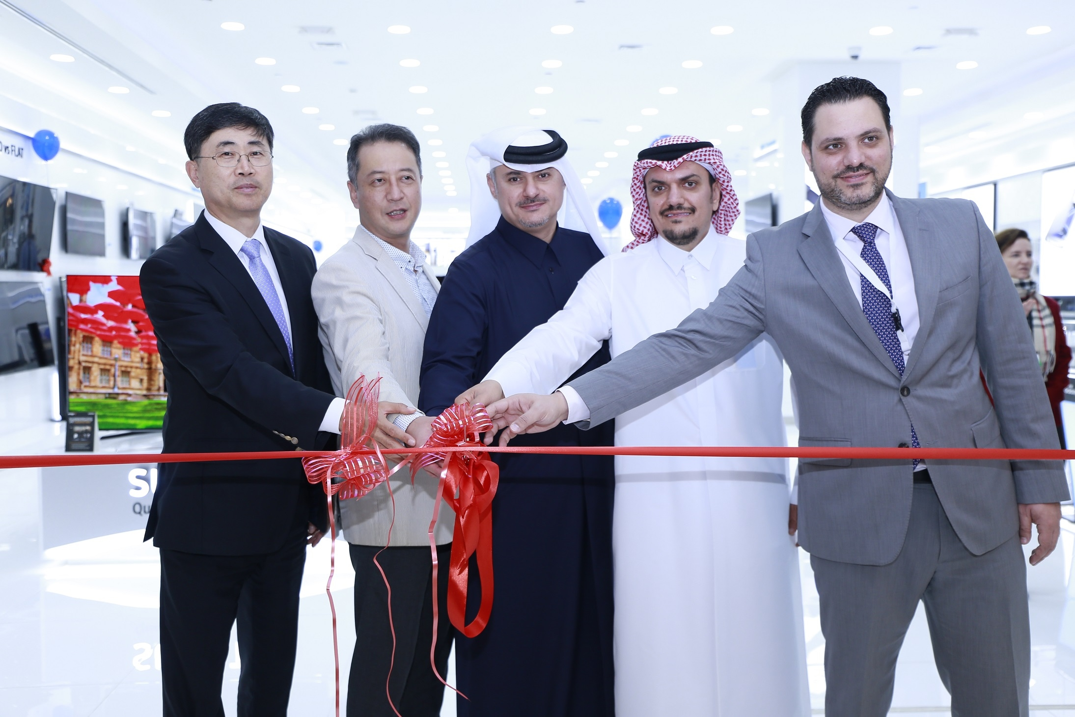 Samsung Launches First Brand Shop at Mall of Qatar 2