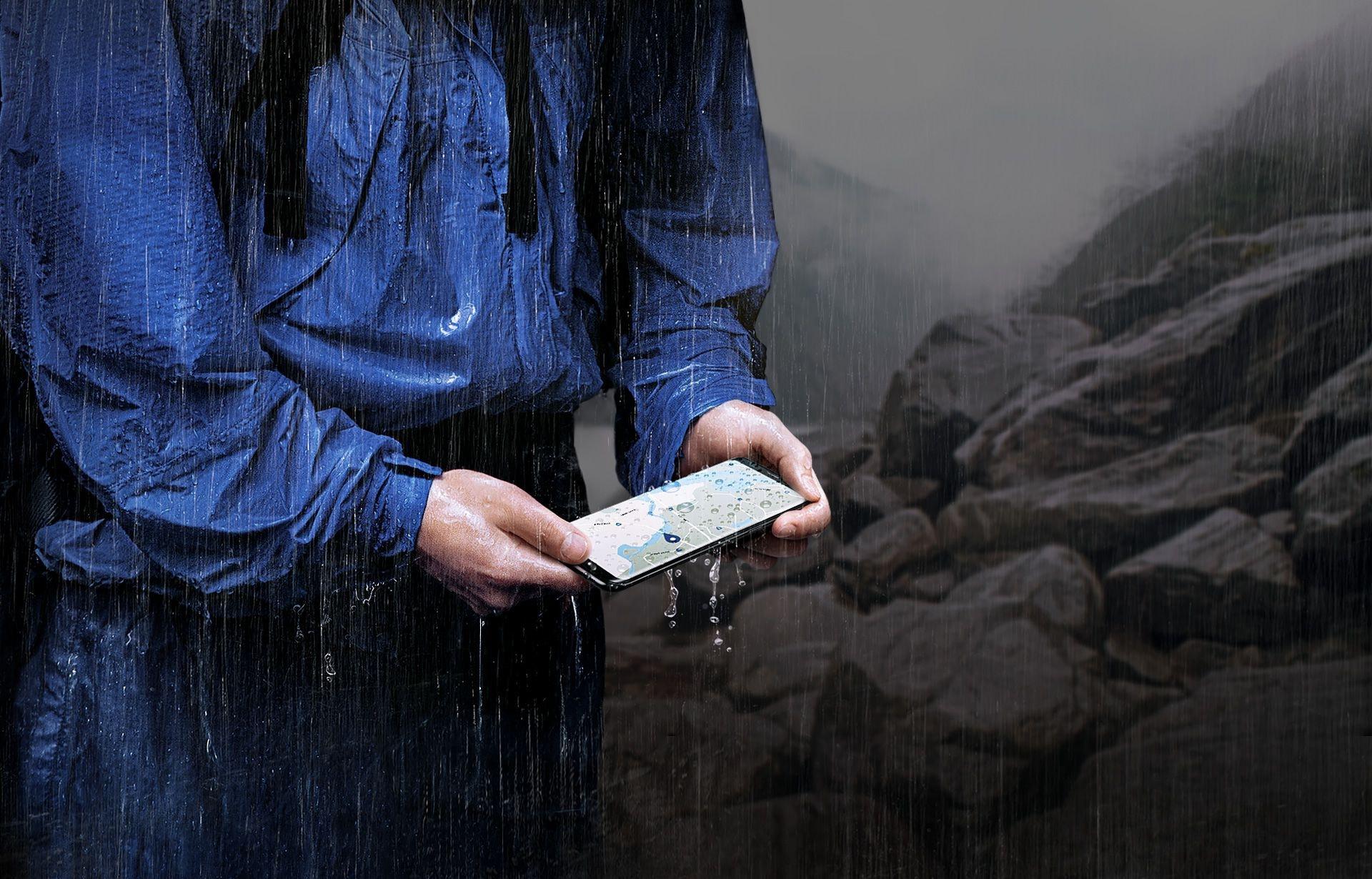 Galaxy S8 sous une pluie battante