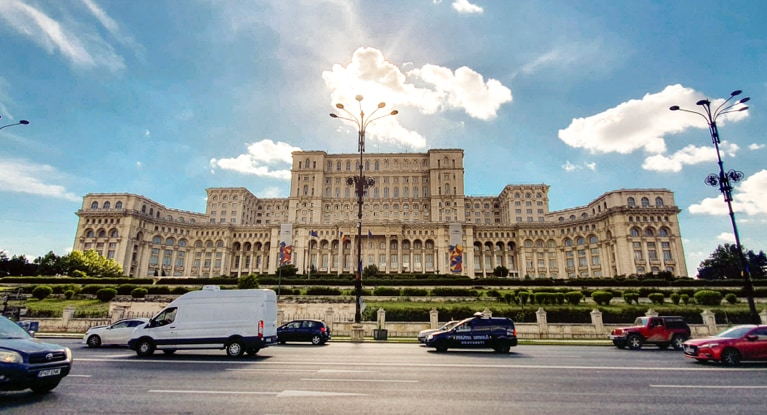 Palace of Parliament in Bucharest captured with Samsung Galaxy S10+ representing Shot Suggestion Mode and Ultra- wide angle lens.
