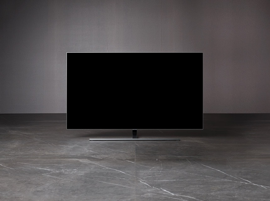 A front view of the 2018 new  QLED TV Q7F.