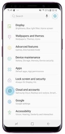 Az Alkalmazások képernyőn koppintson az alábbiakra Felhő és fiókok