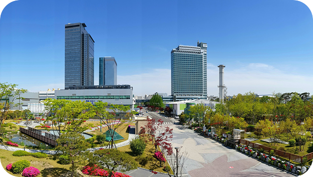 A panoramic photo of the Samsung Electronics' worksite.