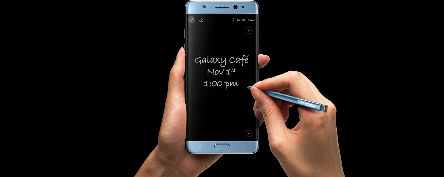 Samsung Galaxy Note Fe Blue Price Specs Features Philippines 7 Left Hand Clutching The Black Onyx With S Pen Writing Screen Off Memo