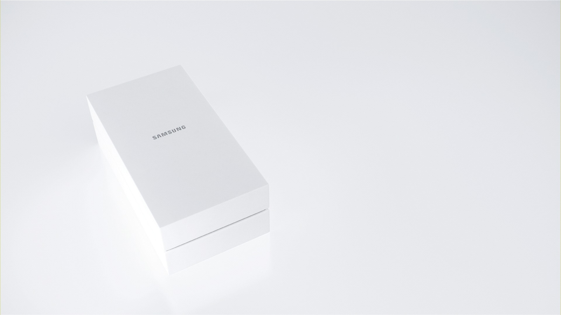 The animated sequence in which the Galaxy S6 edge comes out of the white box.