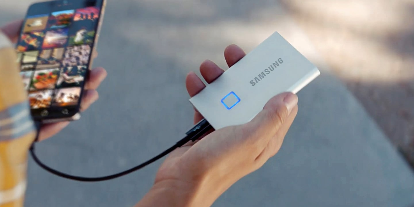 Video thumbnail of Portable SSD T7 Touch - Transfer in a flash, secure with a touch.