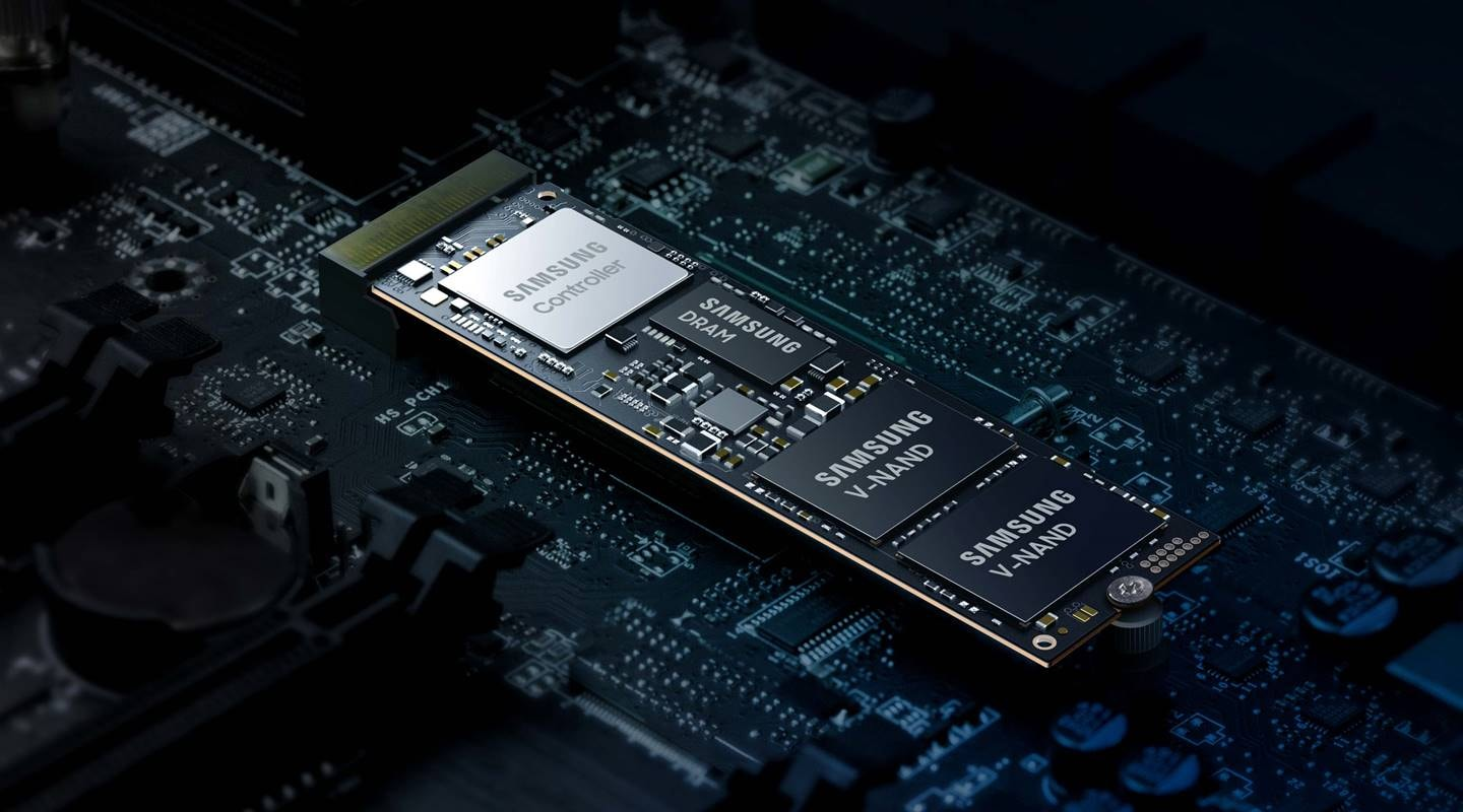 An illustrative image of Samsung SSD 980 chip inner.