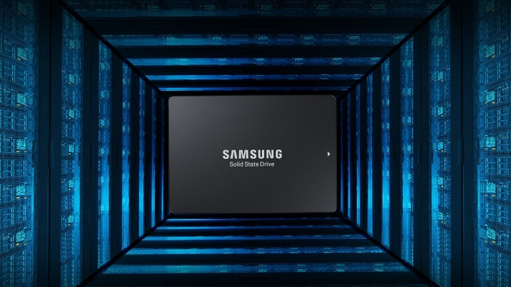 Angled side view of Samsung Data Center 860 DCT.