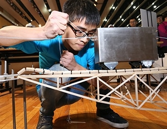 This program gallery describe Samsung Electronics' solve for tomorrow activities image in corporate citizenship education
