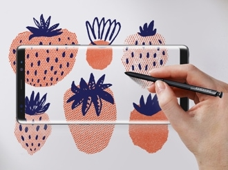An artist at work on a Samsung Galaxy Note8.