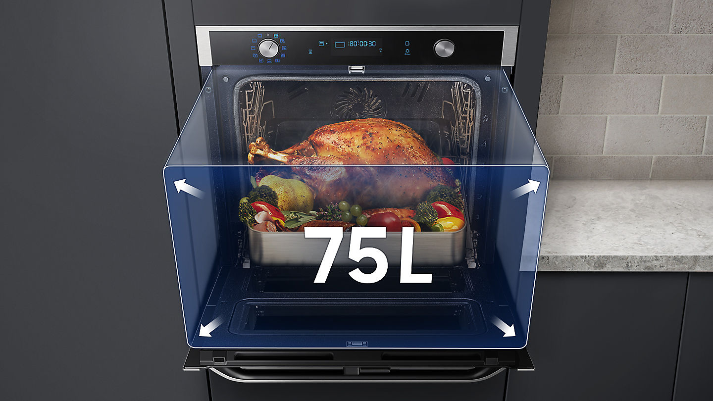 Photo of Dual Cook Flex oven door open with overlaid graphic highlighting its large 75 litre capacity
