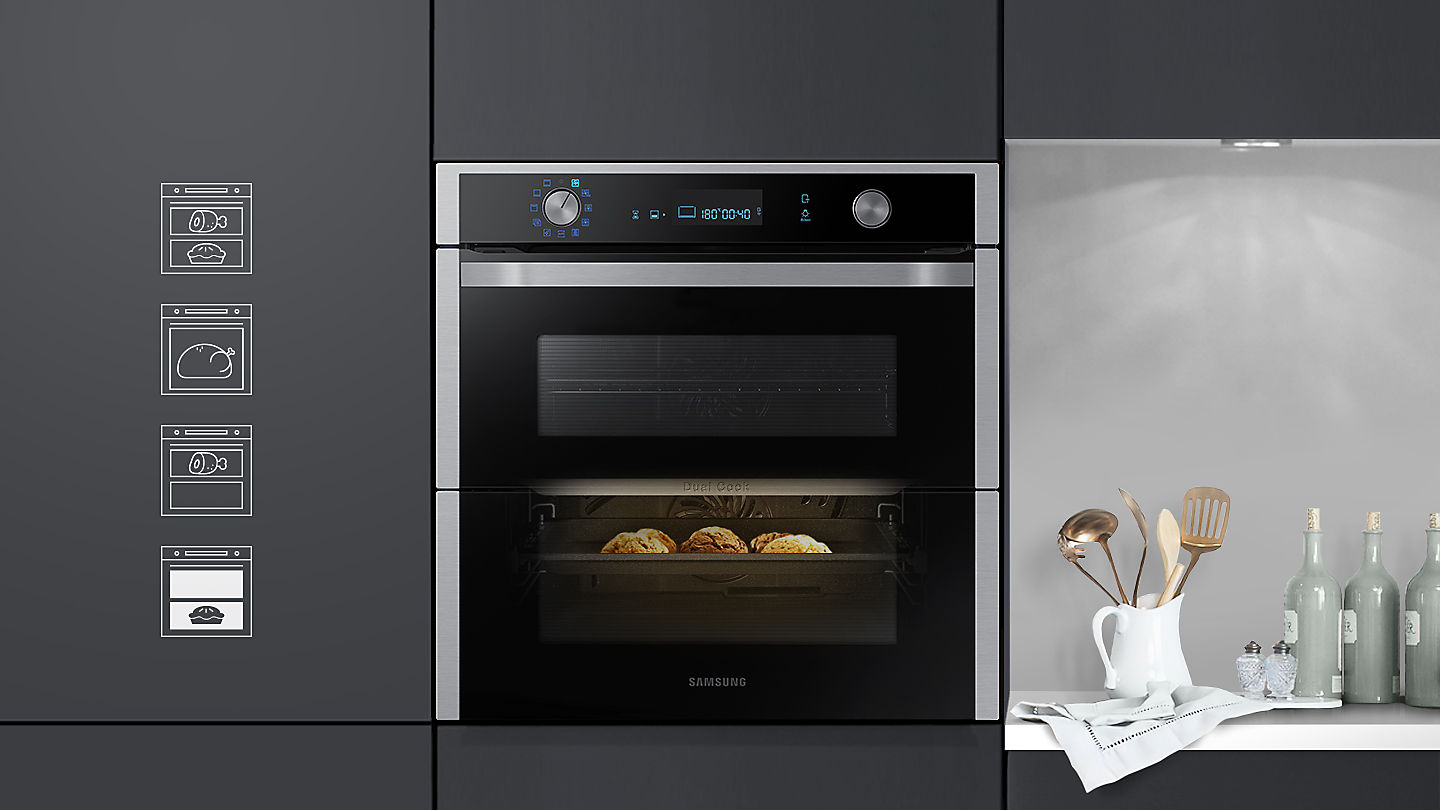 Photo of the Dual Cook Flex oven with a dessert being cooked in the bottom oven with nothing in the top oven