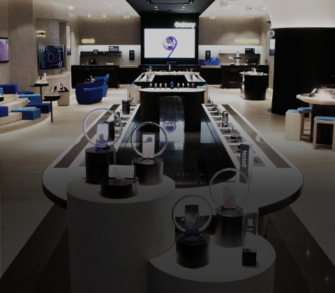 Full view of Samsung Experience Store layout