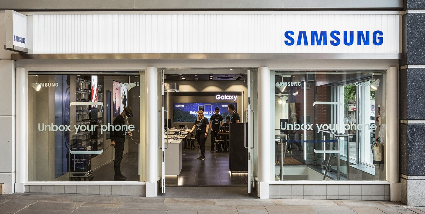 Full view of Manchester Market Street Samsung Experience Store layout