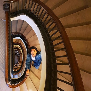 Click to learn how to shoot a dizzying shot with Dual Aperture