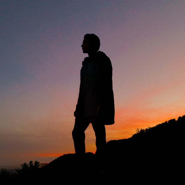 A stunning silhouette portrait with Dual Aperture