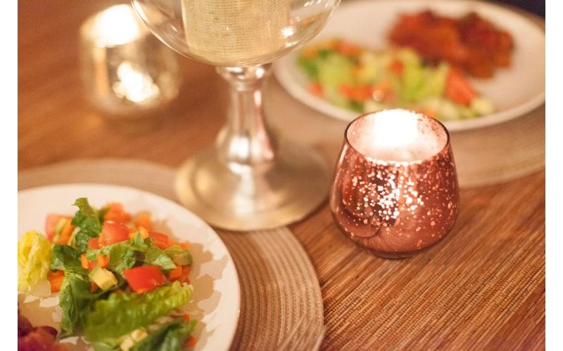 Tips on a Romantic Dinner at Home01