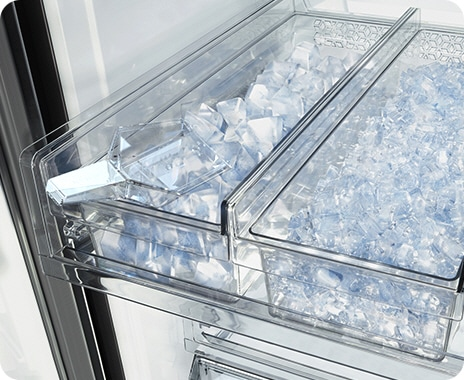 Dual Auto Ice Maker offers the convenience of both Cubed Ice and Ice Bites.