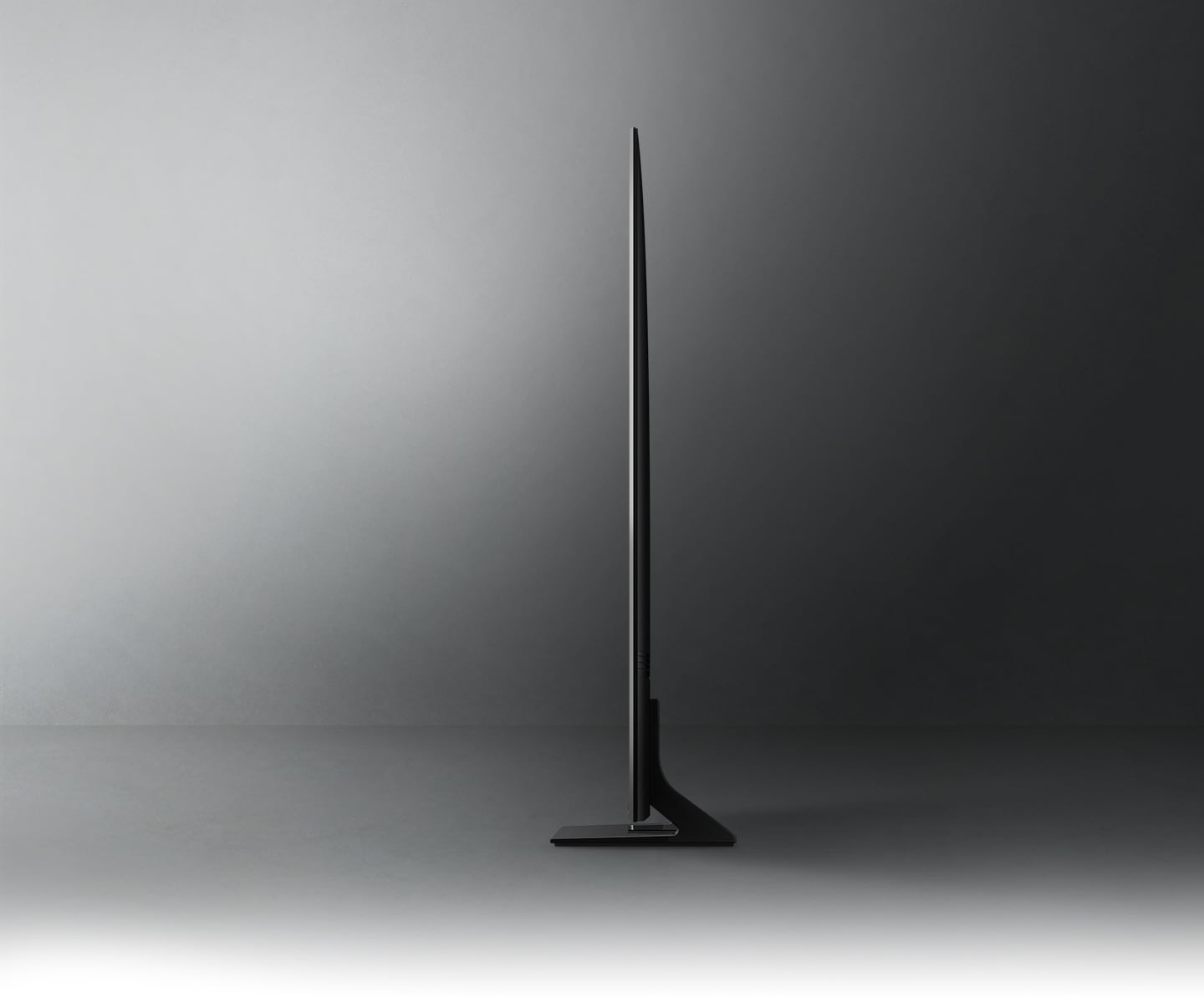 Profile view of Crystal UHD TV shows ultra slim design of Crystal UHD TV AirSlim.