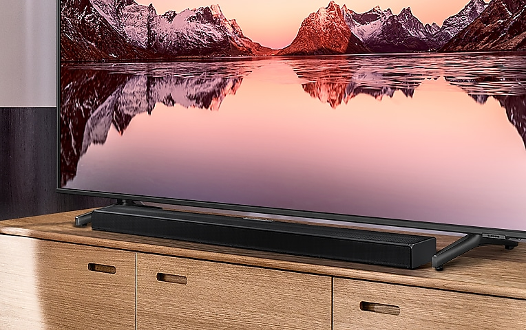 Q600A and TV on a cabinet