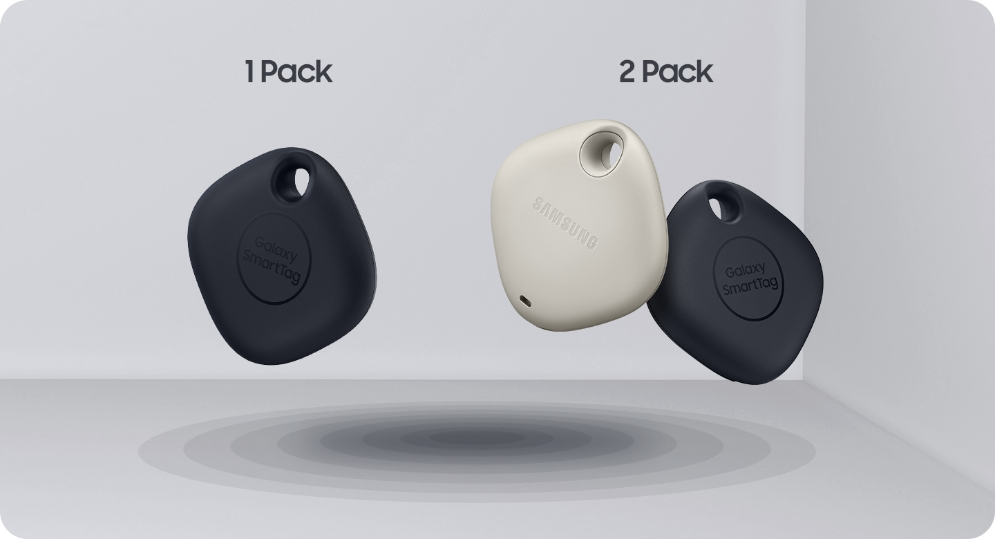 1 black SmartTag and 2 SmartTags,1 oatmeal-colored and 1 black together in bundle placed at an angle.