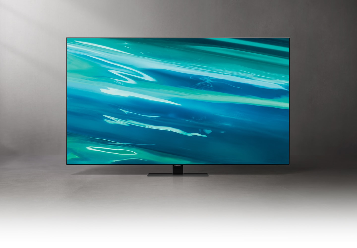 Q80A displays intricately blended color graphics which demonstrate long-lasting colors of Quantum Dot technology.