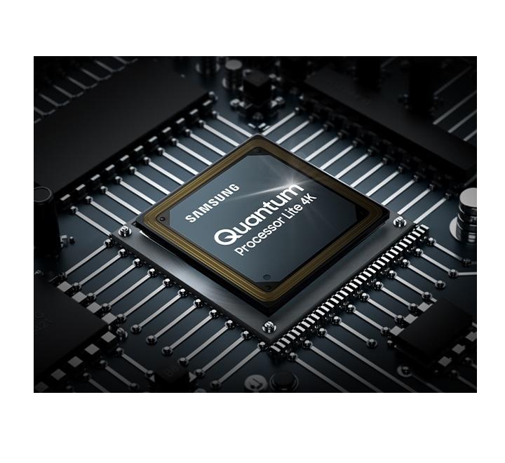 Zmogljivi Samsung procesor optimizira kakovost zvoka glede na vsebino, ki jo gledate. Poleg tega pa vam 4K tehnologija nadgradnja slike zagotavlja, da lahko svojo priljubljeno vsebino gledate v do 4K ločljivosti.