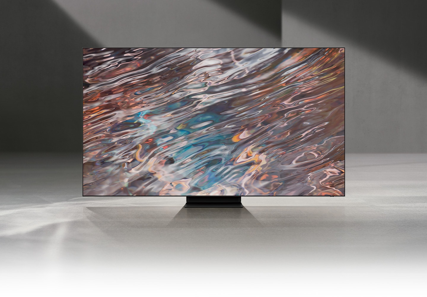 QN800A displays intricately blended color graphics which demonstrate long-lasting colors of Quantum Dot technology.