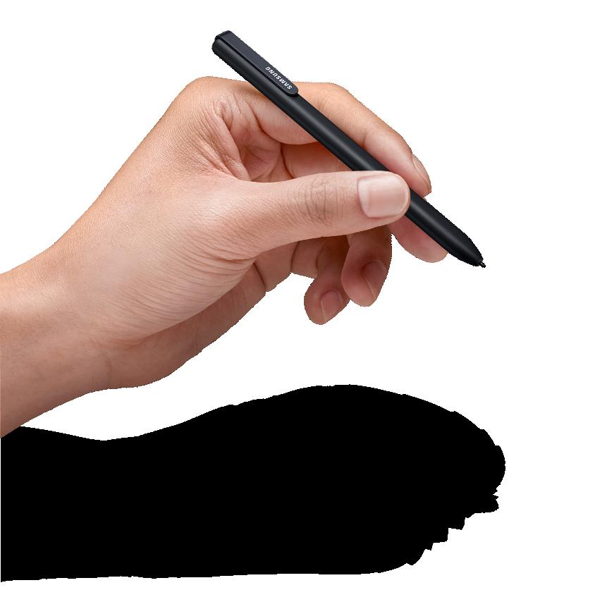 왼손으로 S pen을 쥐고 있는 모습이 보여집니다.