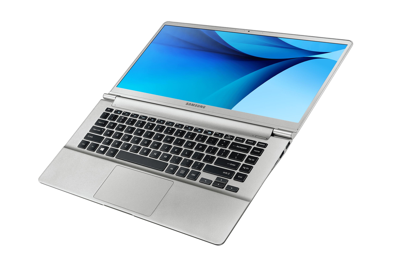 노트북 9 metal (38.1 cm)  NT900X5H-K34L Core™ i3 / 256 GB SSD