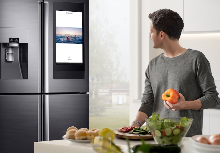 Mirror your Samsung smartphone or TV, right on your fridge