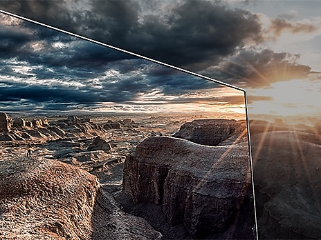 Enhanced display with Quantum HDR 1500 on Samsung QLED Smart TV