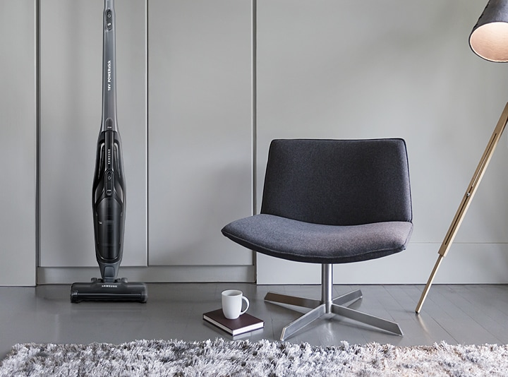 Samsung Extreme suction power POWERstick vacuum cleaner – an image of the vacuum cleaner slim, light and easy to move & store