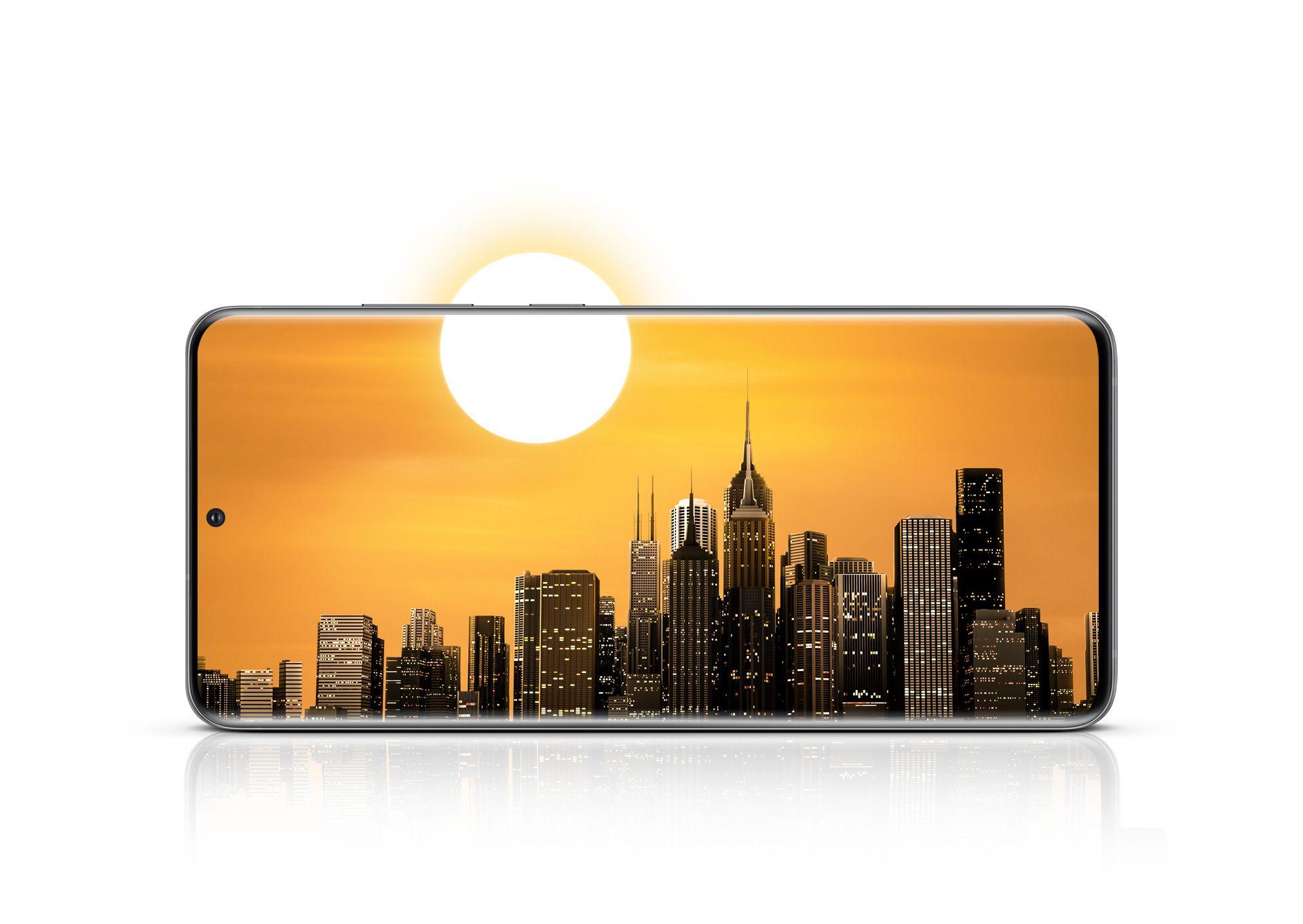 Galaxy S20 Ultra 5G с лицевой стороны в альбомной ориентации с изображением городского пейзажа. Солнце частично видно на экране, а частично находится за его пределам. Это означает, что заряда батареи хватает на целый день работы с телефоном
